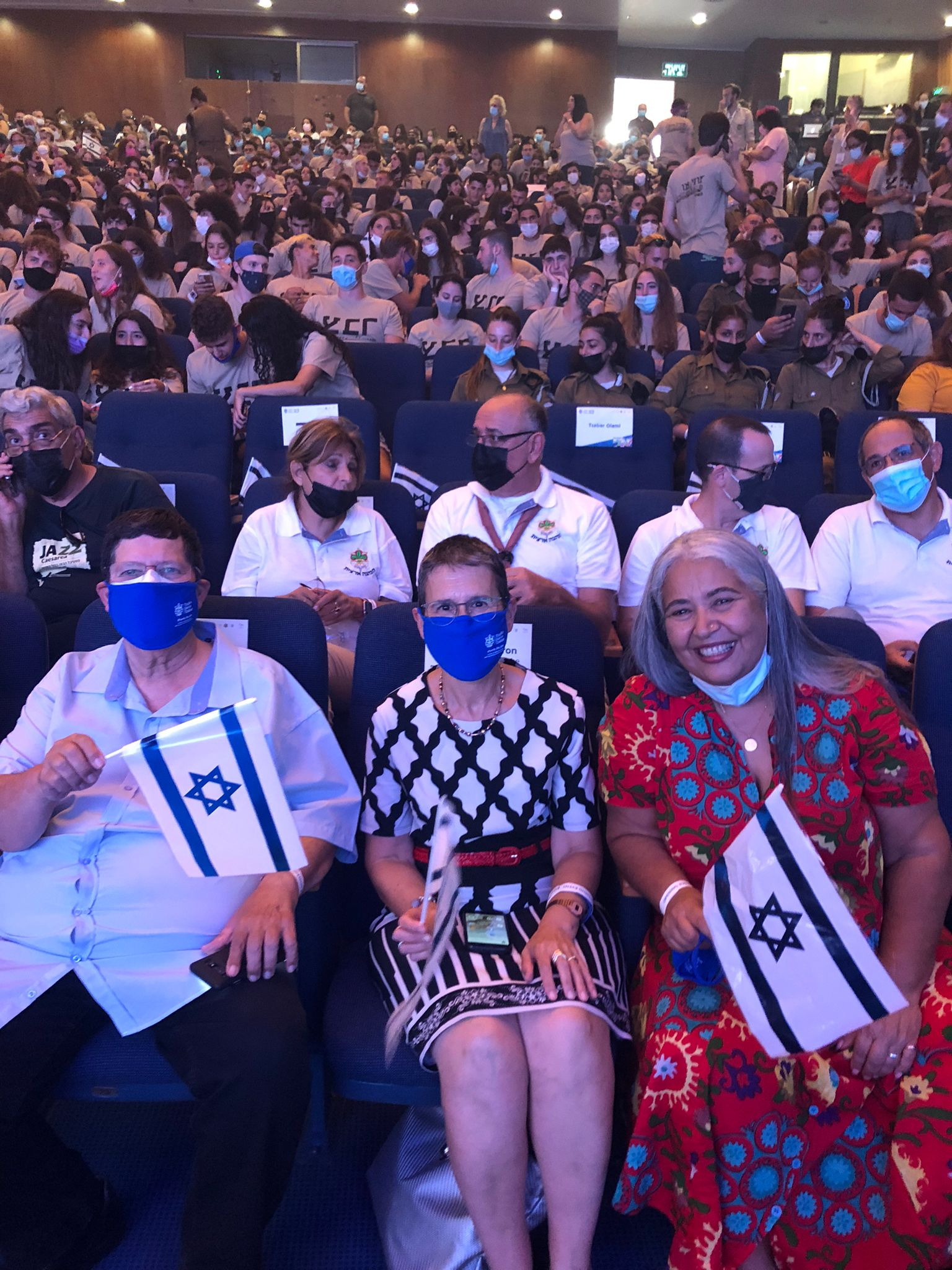 מימין לשמאל: יעל אייזנר, שרה עברון וניר מאיר באירוע 30 שנה לגרעין צבר