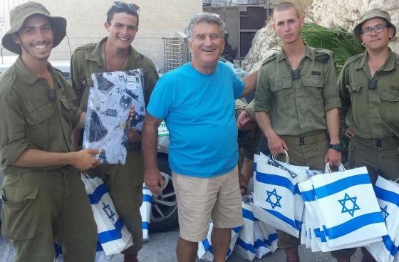 התנועה הקיבוצית והסוכנות היהודית מנציחות את שמו בתכנית לליווי חיילים בודדים בקיבוצים מרגע הגיעם לארץ ועד אחרי שחרורם