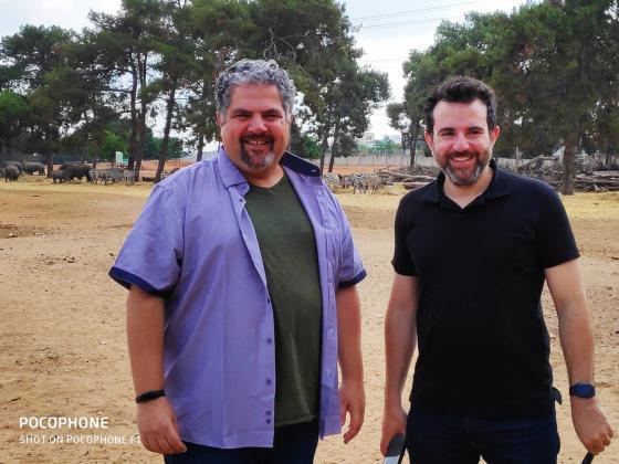 """אורן בן יוסף (משמאל) וסגן ראש עיריית רמת גן, עו""""ד רועי ברזילי"""
