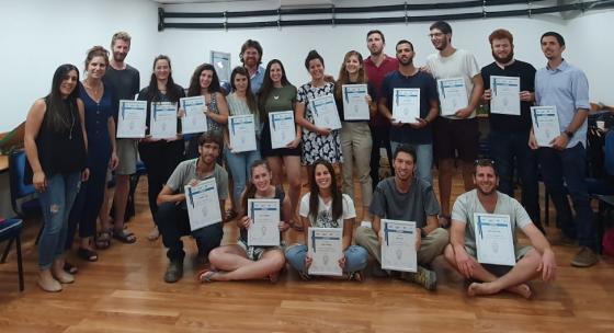 """מסיימי מחזור ב' של תכנית """"שבילים - לציונות וצדק חברתי"""" ביחד עם רותם שניצקי, מנהלת רשת הצעירים של התנועה הקיבוצית"""
